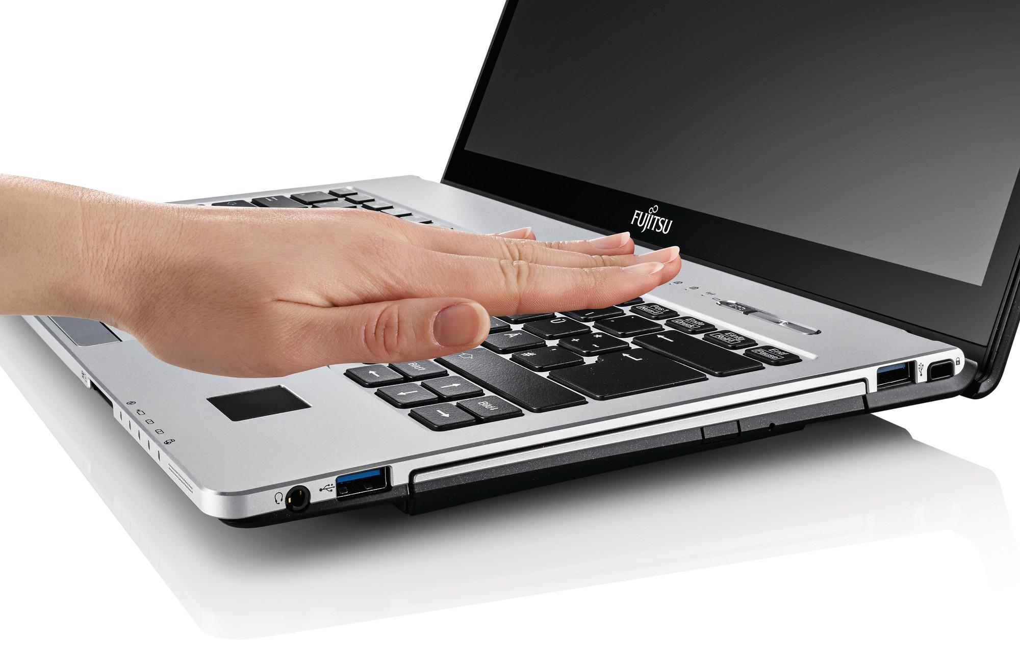 Fujitsu: laptopy zabezpieczone dłonią