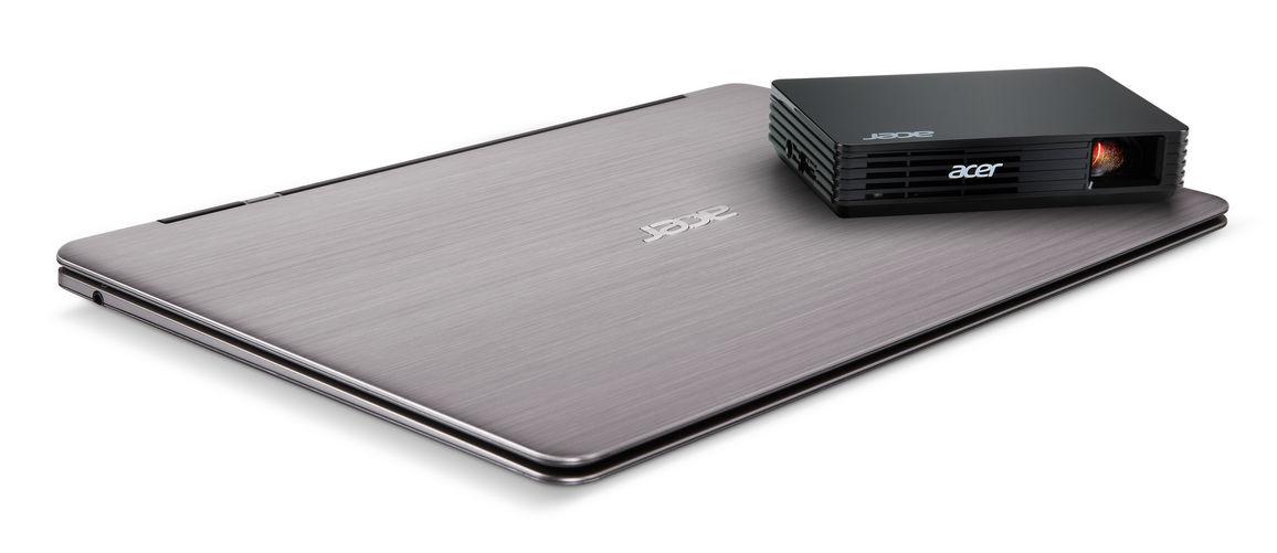 Acer: kino w kieszeni