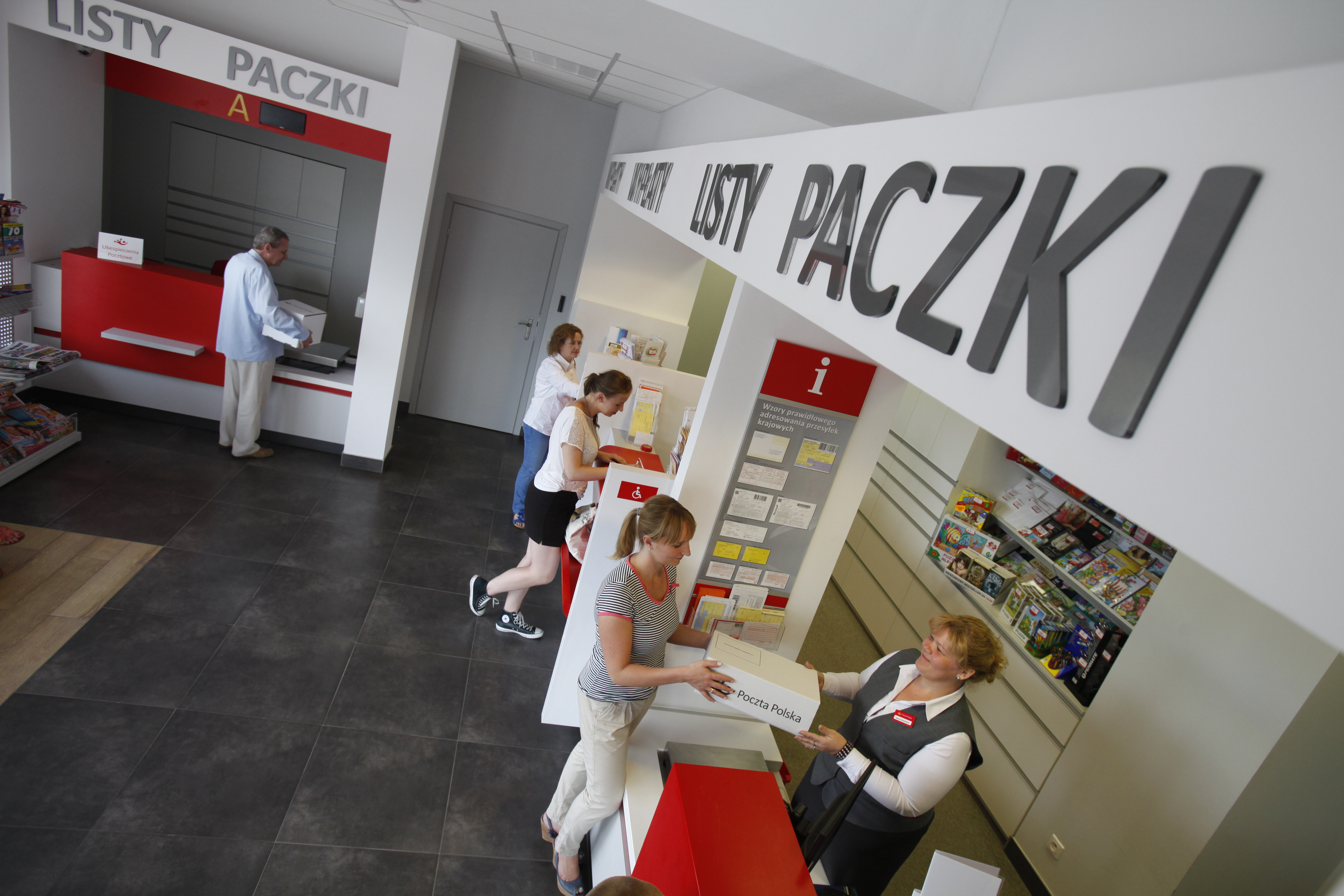 Klienci oddają towar do sklepów