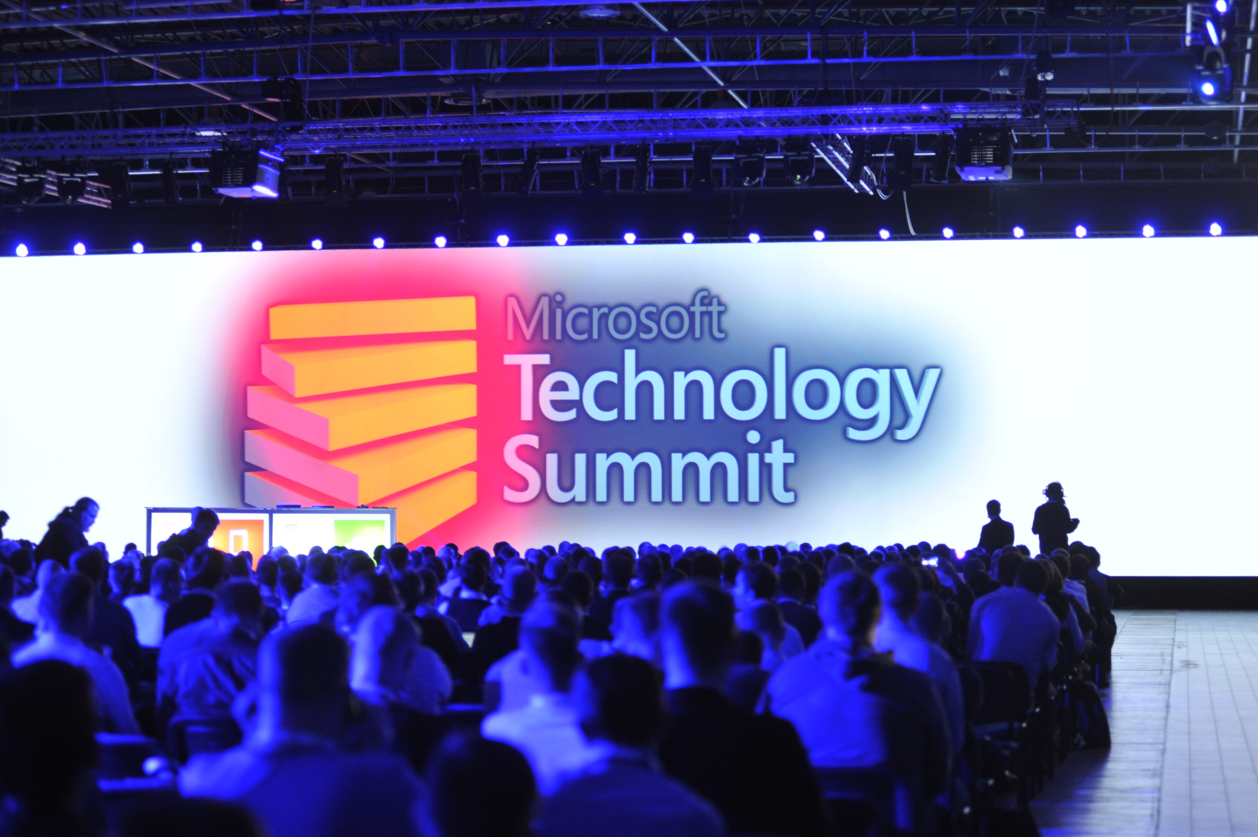 Microsoft okiełznał hybrydę