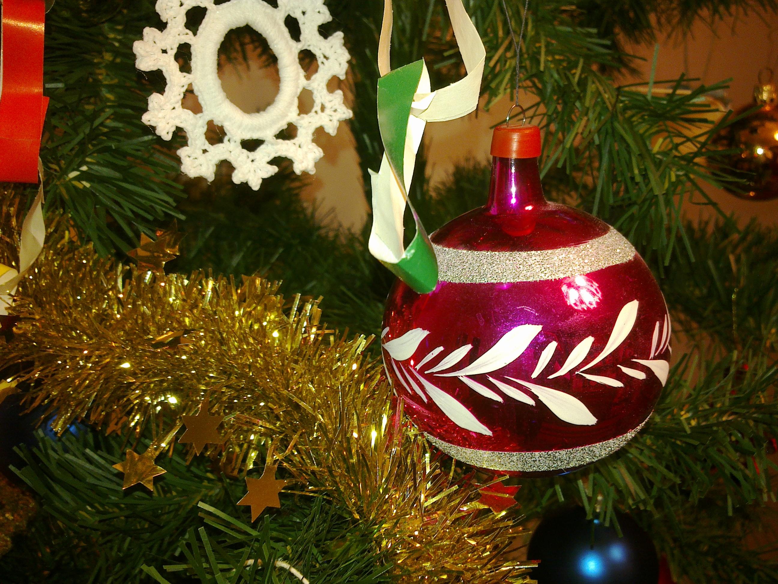 Radosnych, pogodnych świąt i pomyślności w Nowym Roku!
