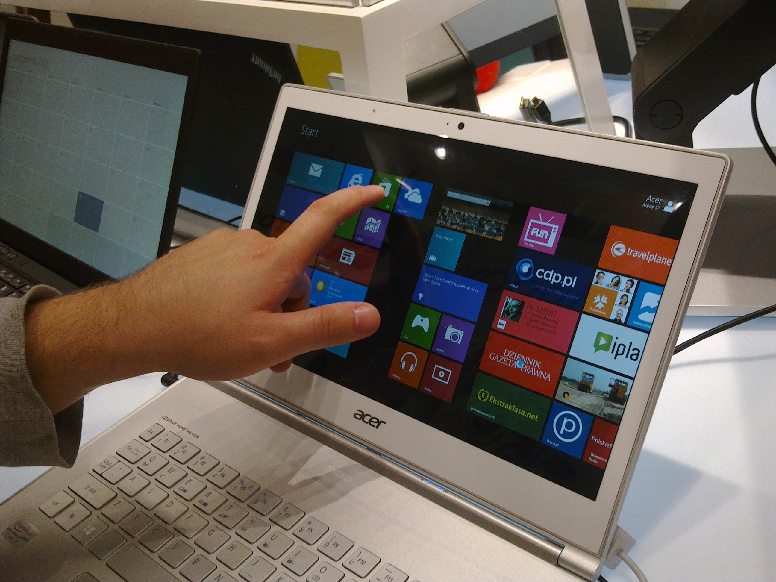 Context: Windows 8 nie pomógł rynkowi komputerów