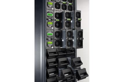 Ewolucja zasilaczy modułowych Legrand: nowe trendy na rynku UPS-ów