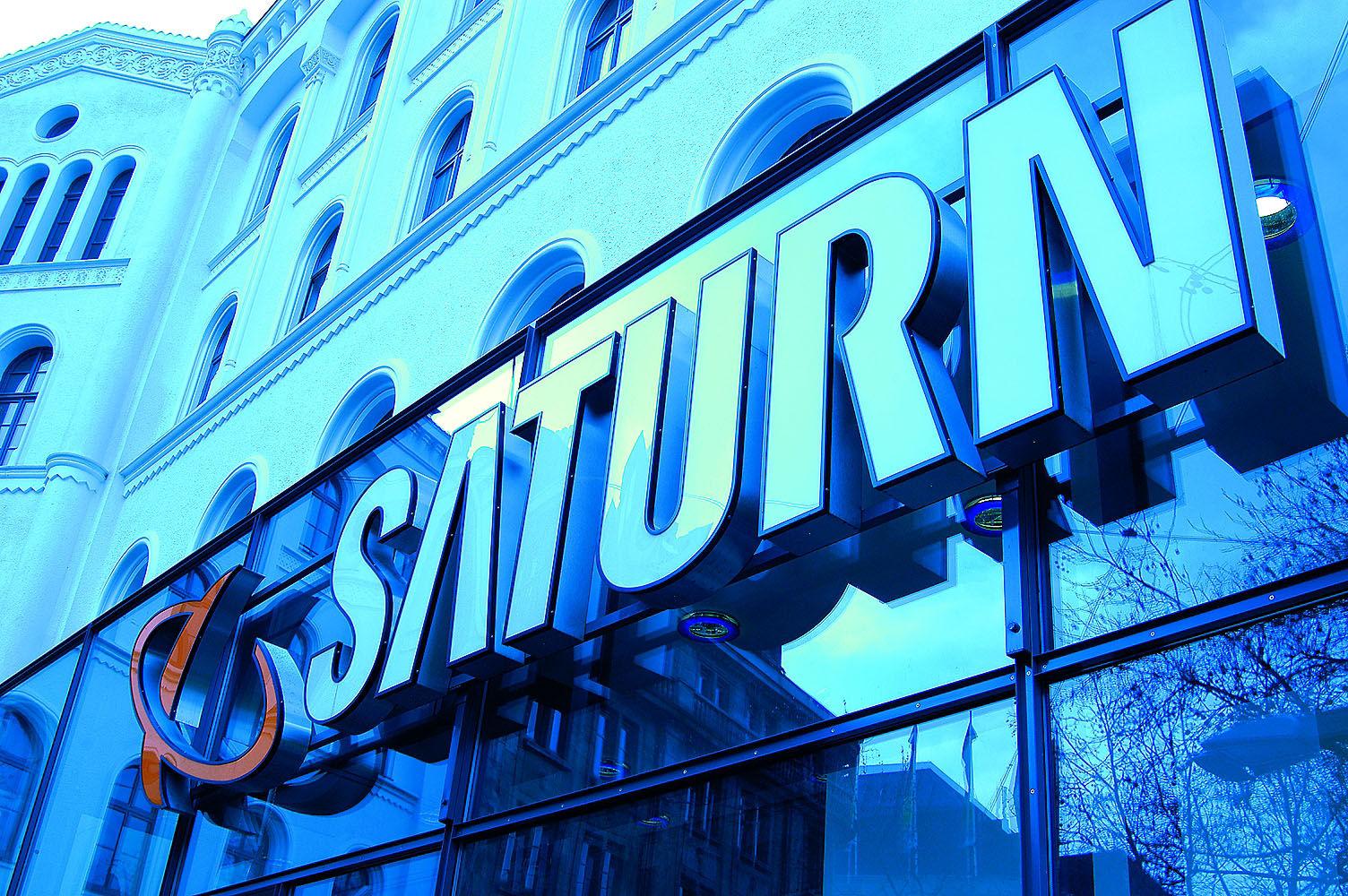 Za granicą znikają markety Saturna