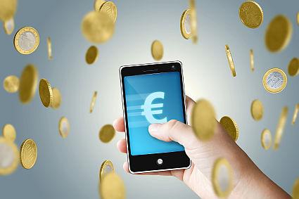 Koniec roamingu w UE, ale opłaty pozostaną