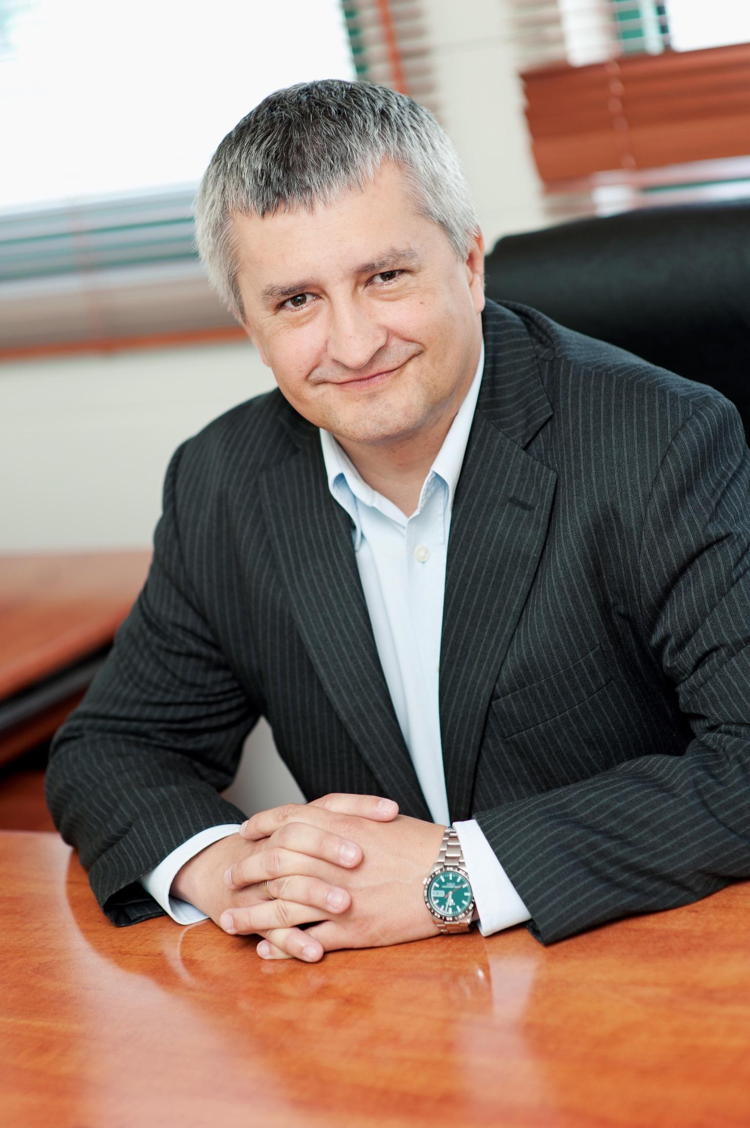 Marcin Harasim szefem marek własnych Asbisu