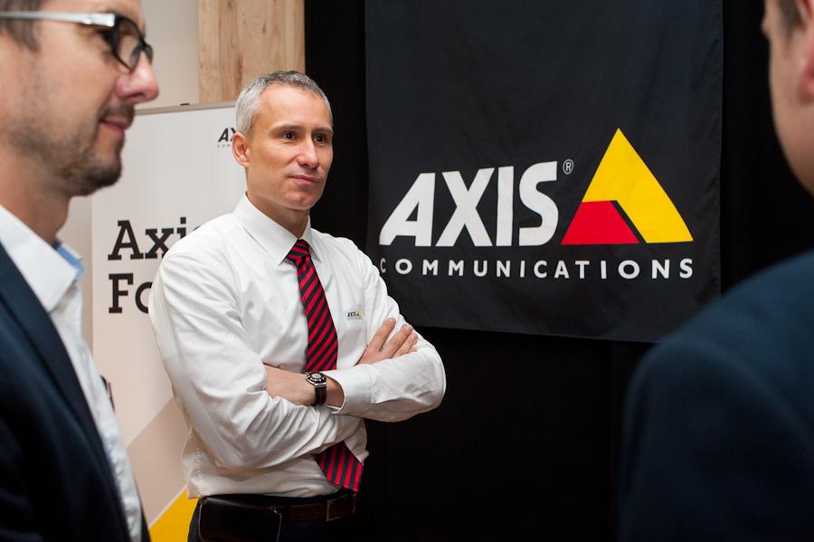 Axis wchodzi w nowe biznesy