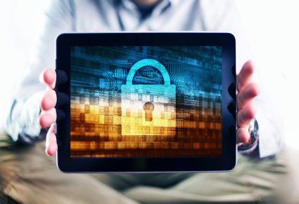 Dostawcy oprogramowania odpowiedzą za hakerów?