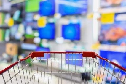 Sieci z elektroniką nie szczędzą na reklamę