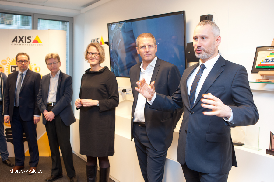 Axis otworzył nowe biuro w Warszawie