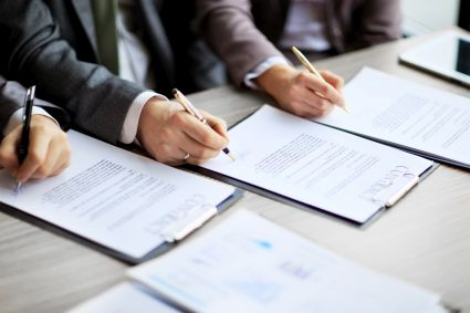Umowy w przetargu wartym 2,8 mld zł