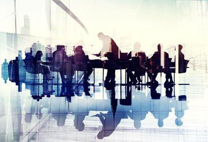 Comp: cztery osoby w zarządzie