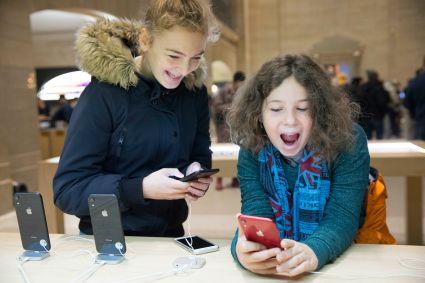 Apple tnie produkcję iPhone'ów