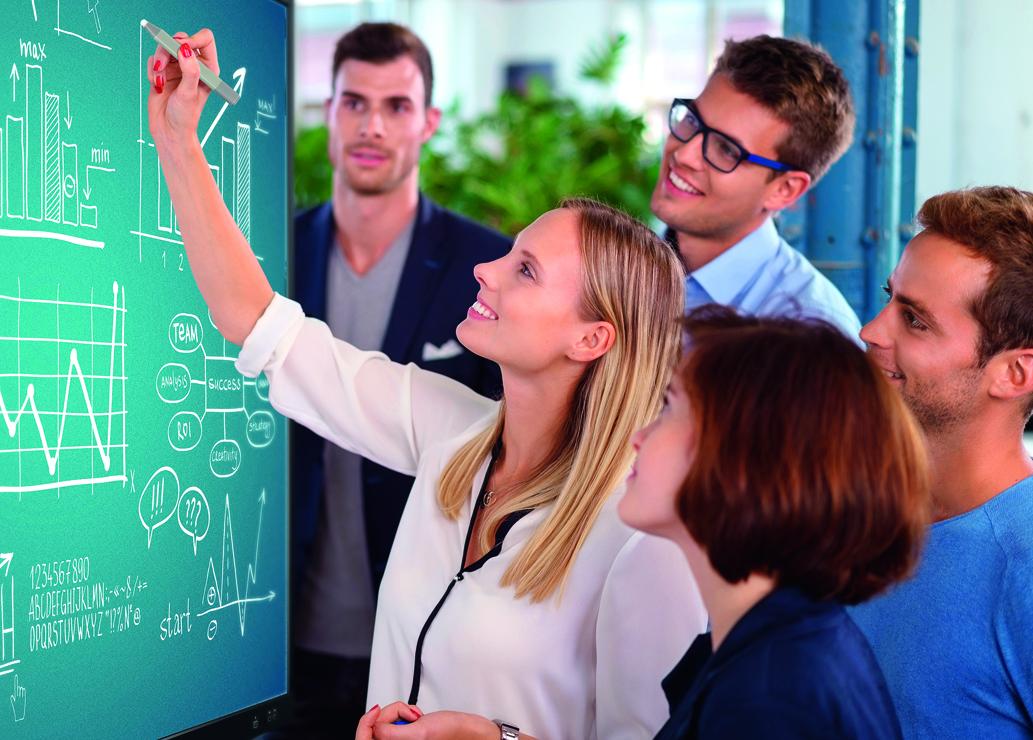 Projektory Optoma dla placówek edukacyjnych