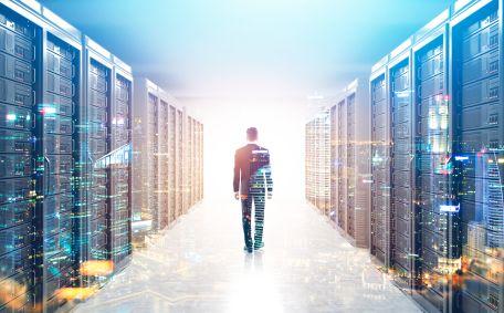 Rządowa chmura wykosi lokalne serwerownie?
