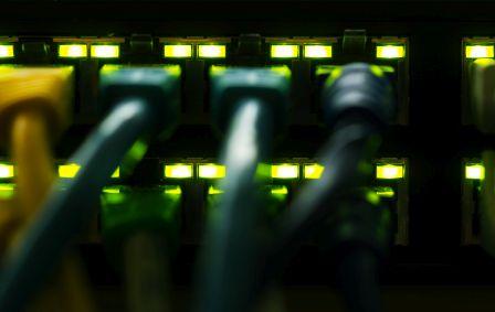 GUS: 8,3 mln zł na LAN i SAN