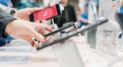 Sprzedawcy smartfonów nie odpuszczają
