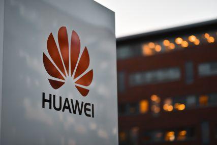 Huawei: sankcje odroczone
