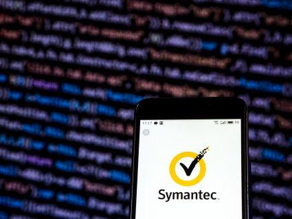 Accenture kupi część Symanteca