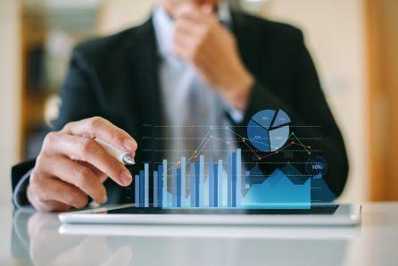 Mniejsza sprzedaż Tech Daty, marża w górę