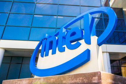 Intel zaskoczył na plus, prognoza rozczarowała